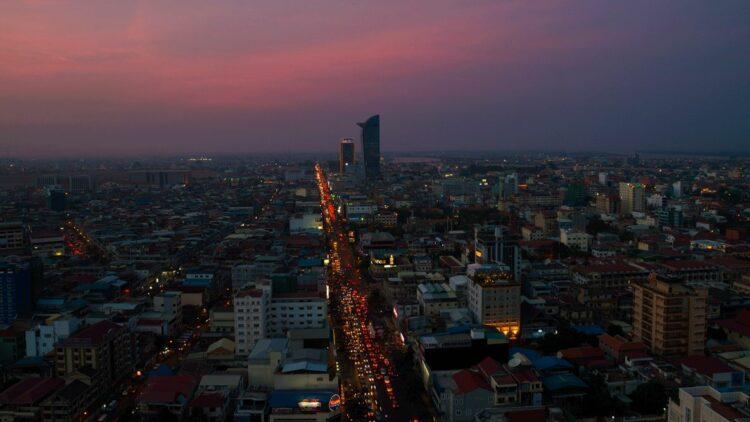 rosewood-phnom-penh-cambodia-skyline-view