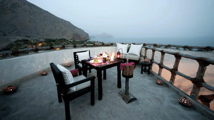 six-senses-zighy-bay-outdoor-dinner