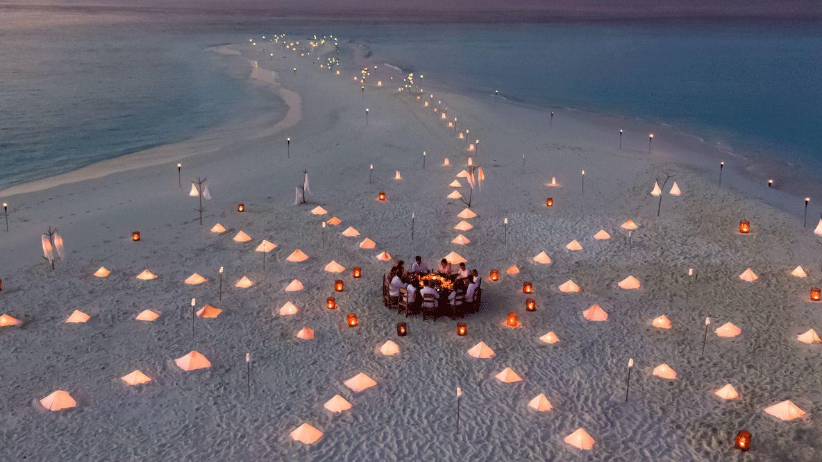 soneva-fushi-maldives-candlelight-dinner