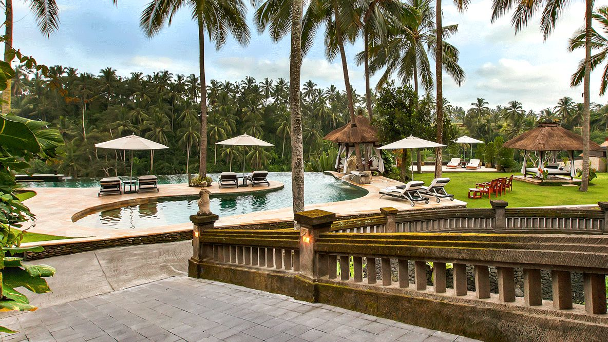 pool area hotel-viceroy bali