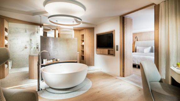 hotels in heaven 7132 bathroom spa deluxe room or spa suite bathtub light modern wooden floor big shower television