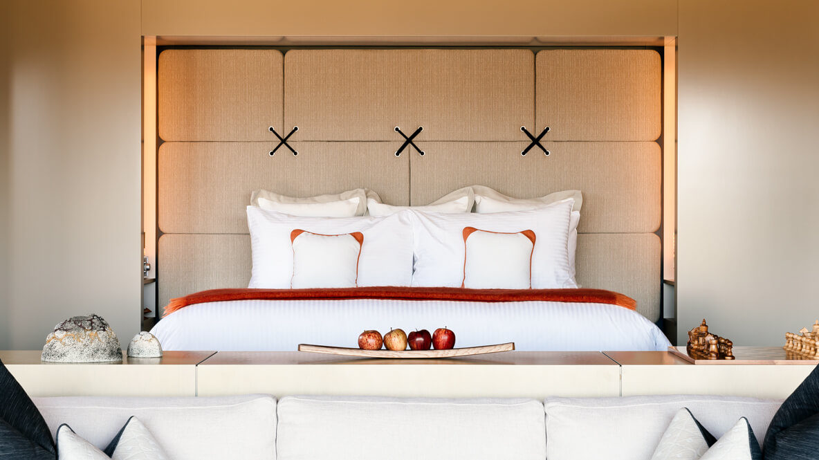 hotels in heaven saffire freycinet suite accommodation private bedroom white pillows balnket linen cushions mattress apples big bed