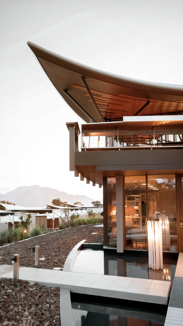 hotel facade-saffire freycinet tasmania