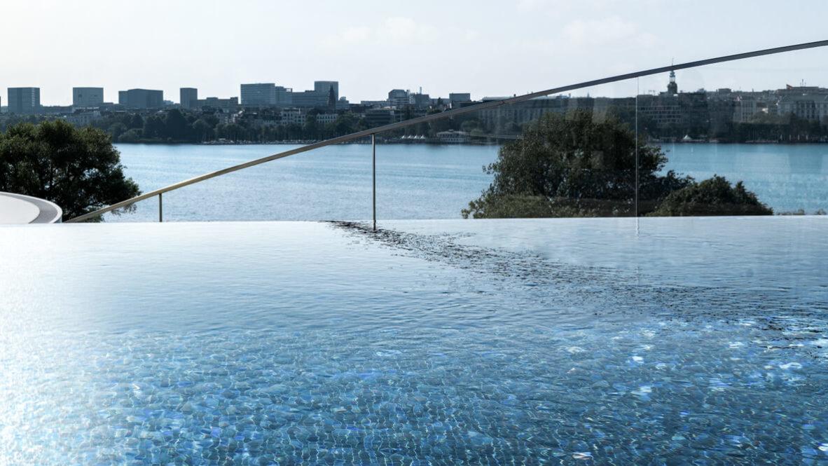 infinity pool-the fontenay hamburg germany