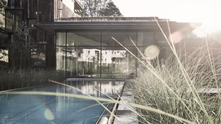 outdoor swimming pool-wiesergut hotel austria