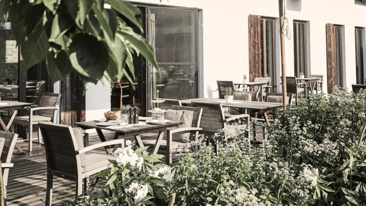 wiesergut-austria-outdoor-restaurant