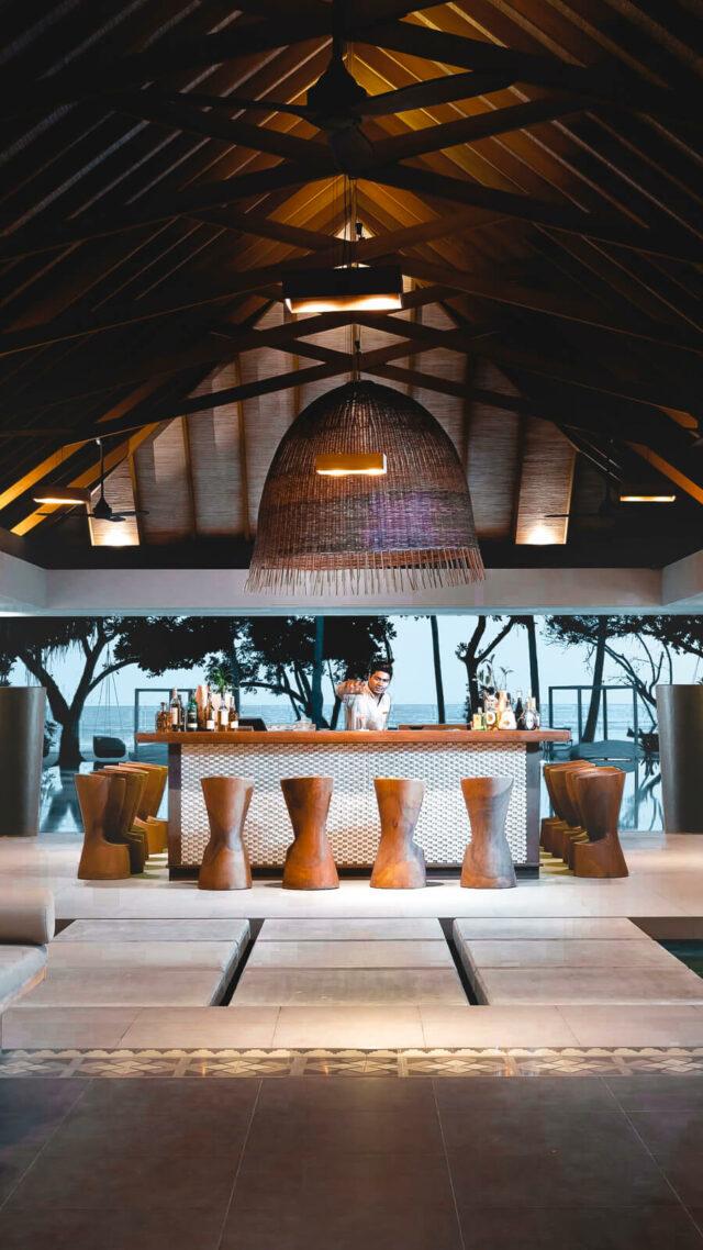 beach bar-vakkaru island maldives