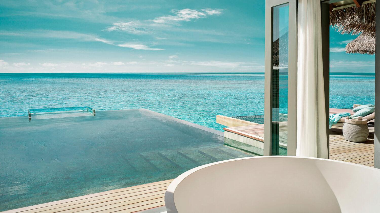 freestanding bathtub-vakkaru island maldives