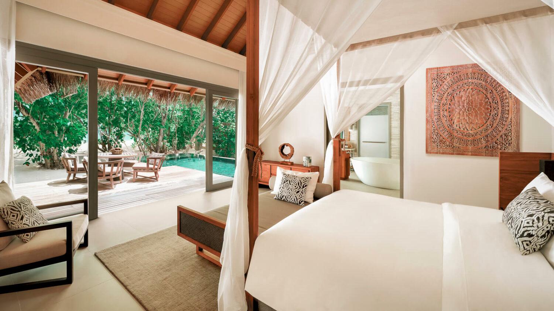 bedroom beach villa-vakkaru island maldives