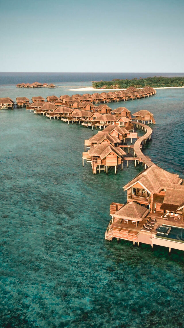 overview location overwater villas-vakkaru island maldives