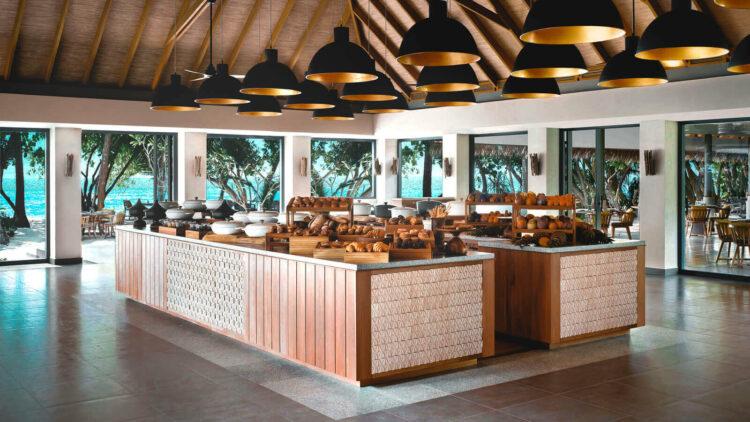 vakkaru-island-maldives-buffet