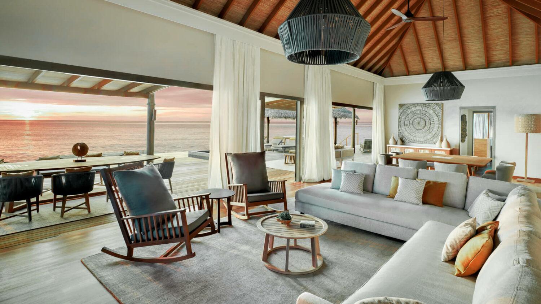 livingroom ocean view-vakkaru island maldives