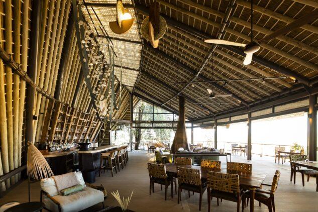 jao-camp-botswana-dining-areajao-camp-botswana-dining-area