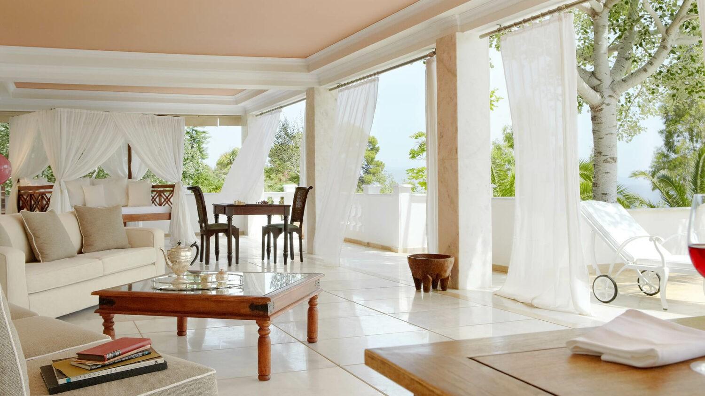 Danai-Beach-Resort-&-Villas_Mandarin-Villa-Interior