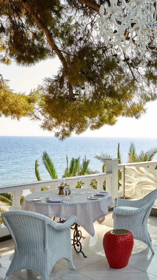 Danai-Beach-Resort-&-Villas_Terrace
