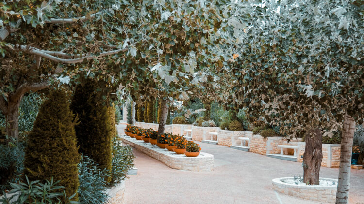 flower garden hotel-the danai beach resort greece