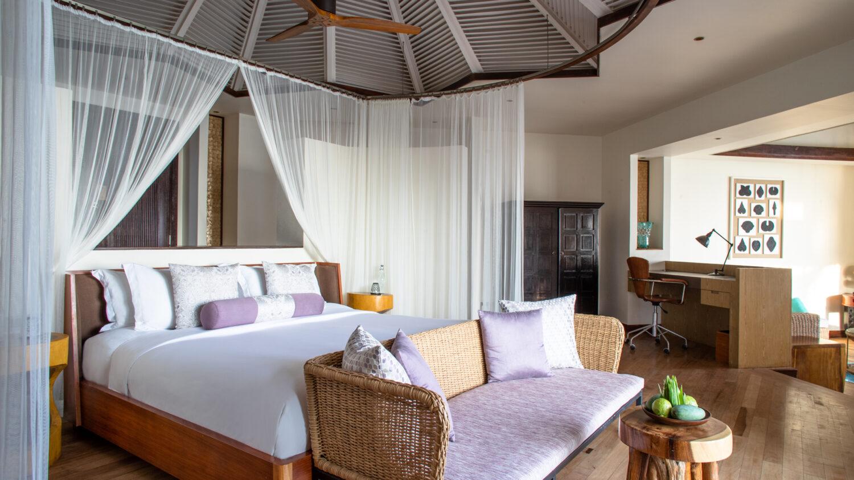 bedroom ocean villa-jumeirah vittaveli maldives