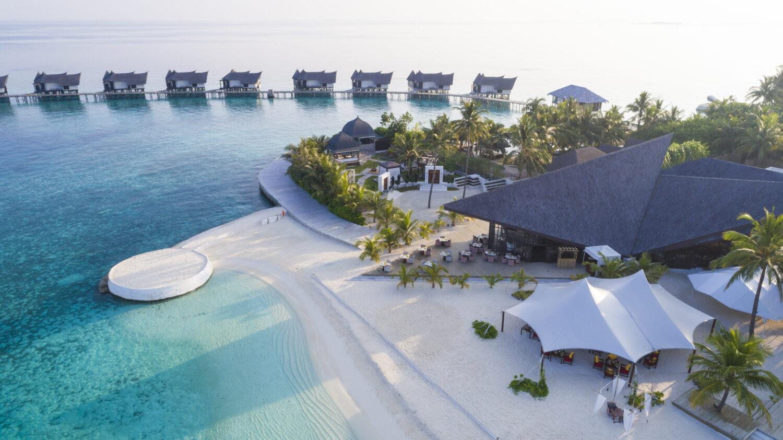 romantic dinner location-jumeirah vittaveli maldives