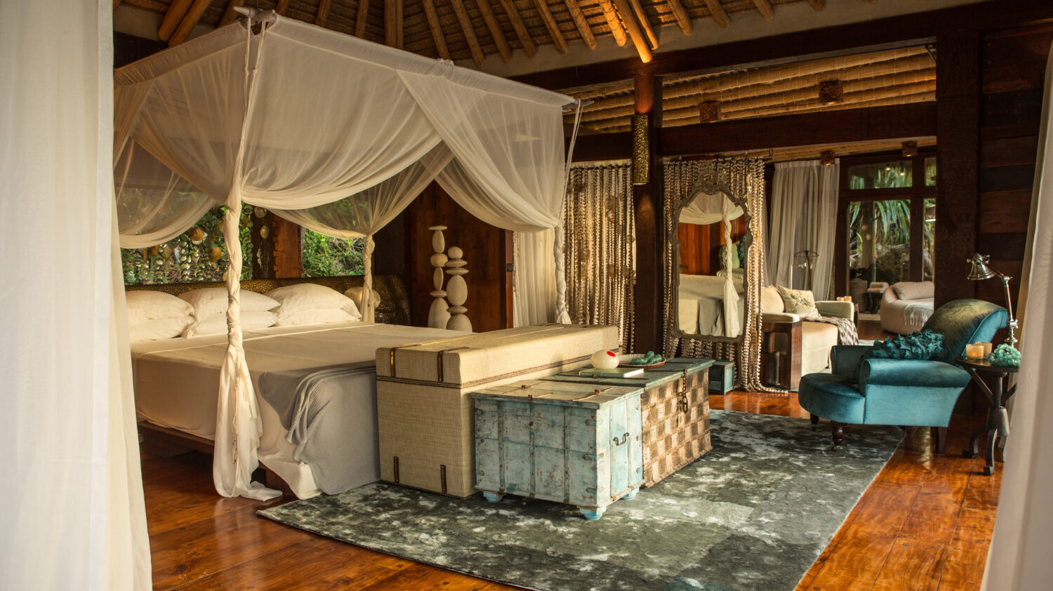 amazing bedroom villa-north island seychelles