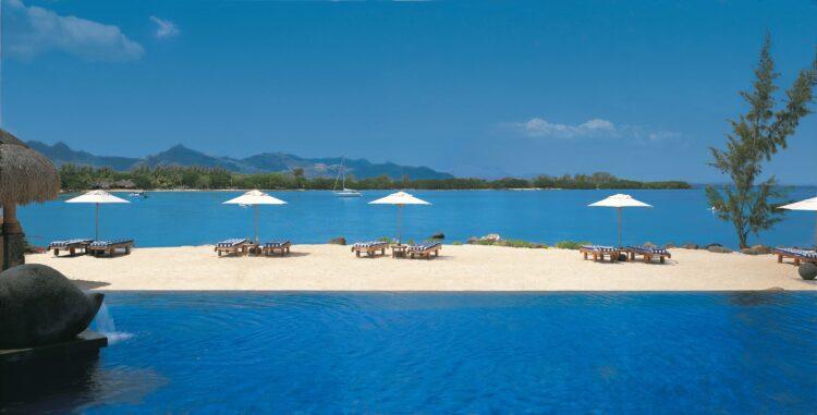 infinity pool ocean view-the oberoi beach resort mauritius