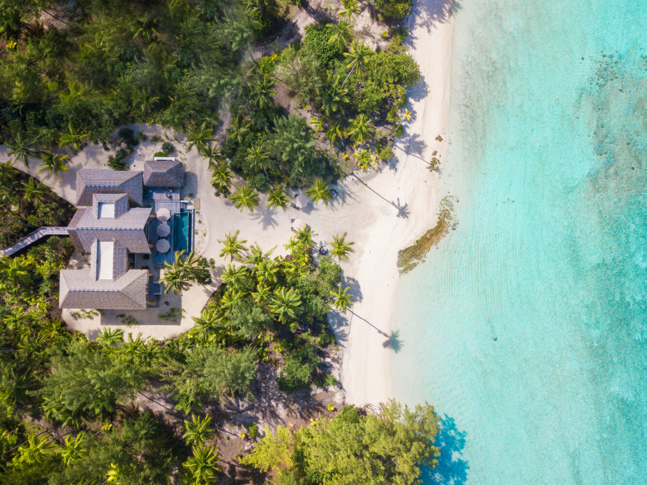 luxurious beach villa-the brando