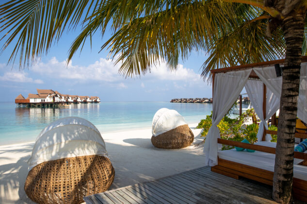 beach view-jumeirah vittaveli maldives