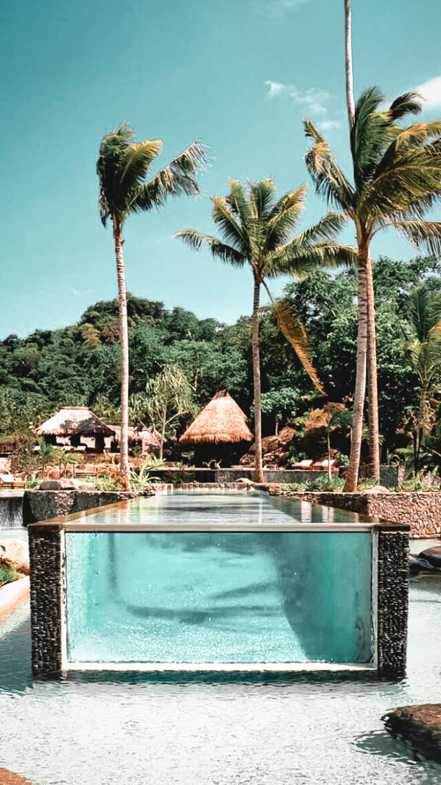 infinity pool ocean-laucala island fiji