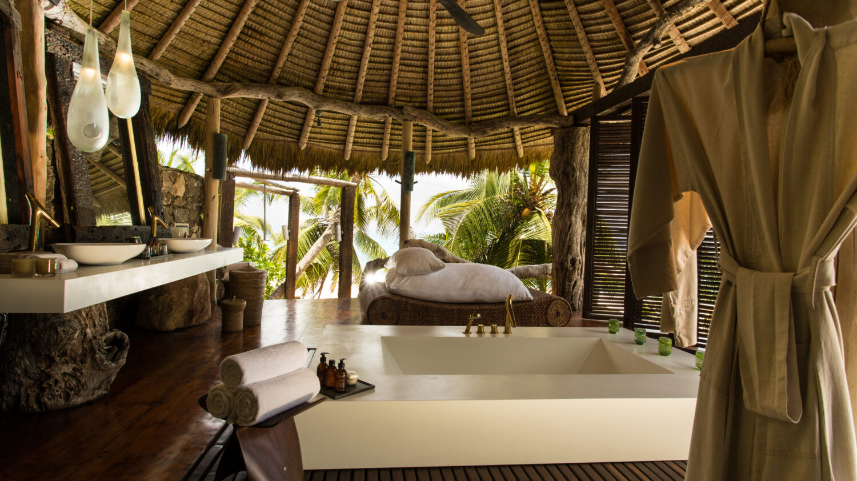 huge luxurious outdoor bathroom-north island seychelles