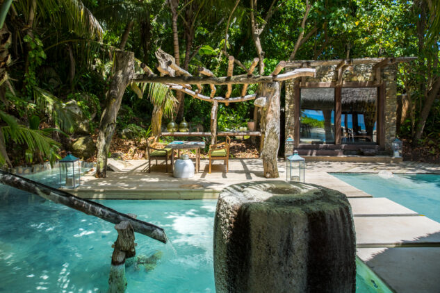 north-island-seychelles-pool