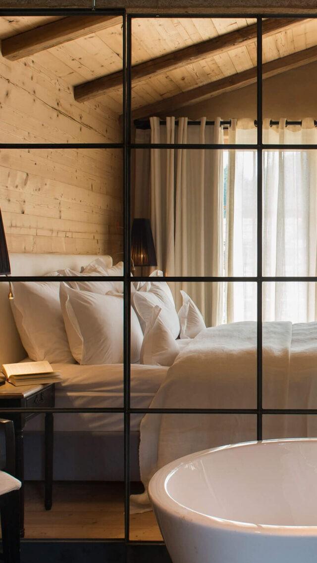 san-luis-bedroom-bathtub-mobile