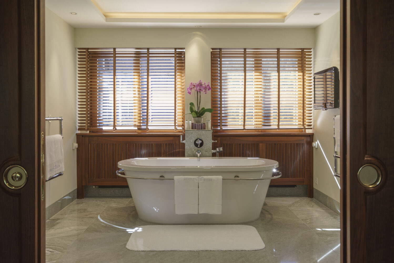suvretta-house-switzerland-hotel-bathroom