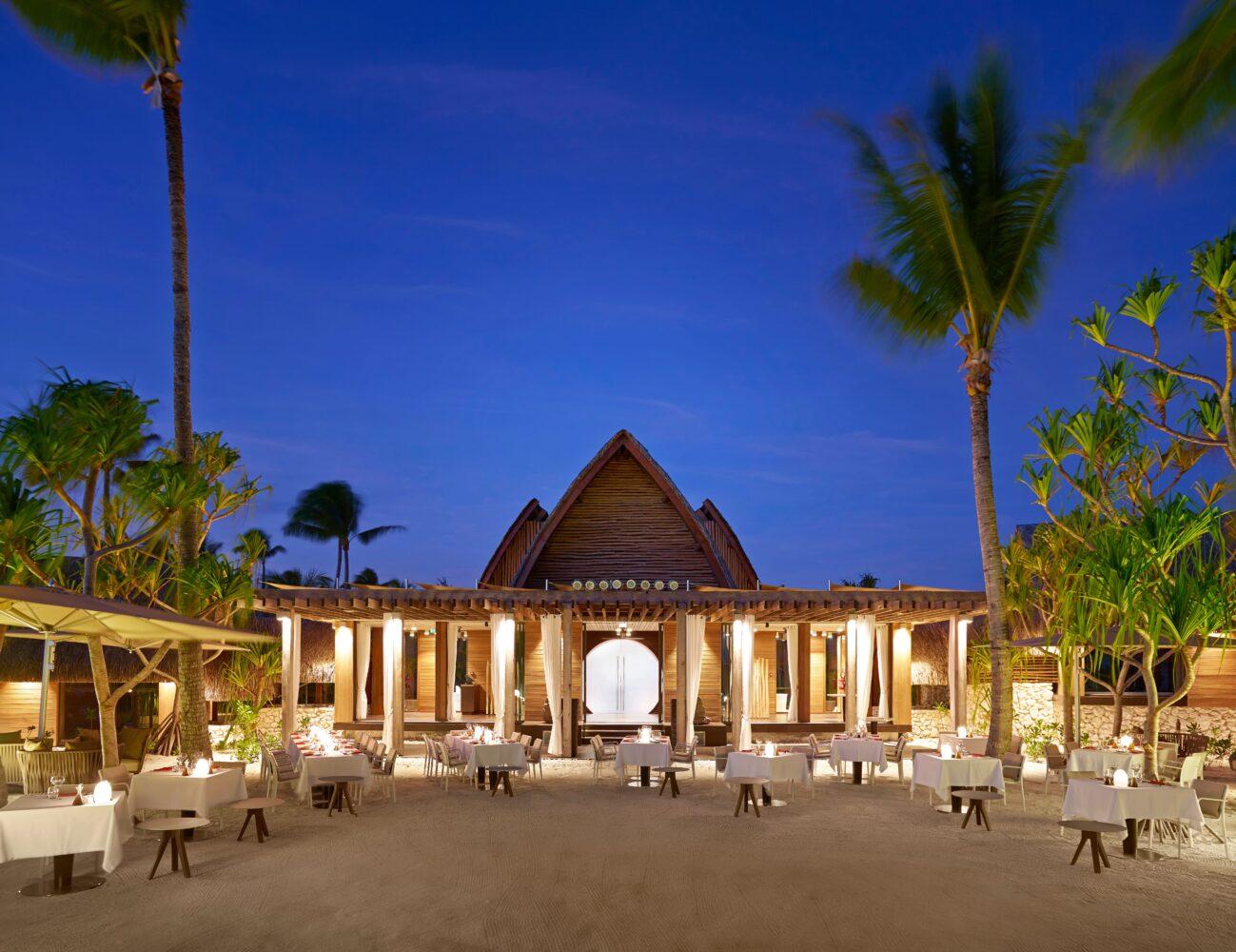 the-brando-beach-cafe-night