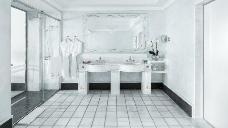 the-danai-beach-resort-greece-bathroom