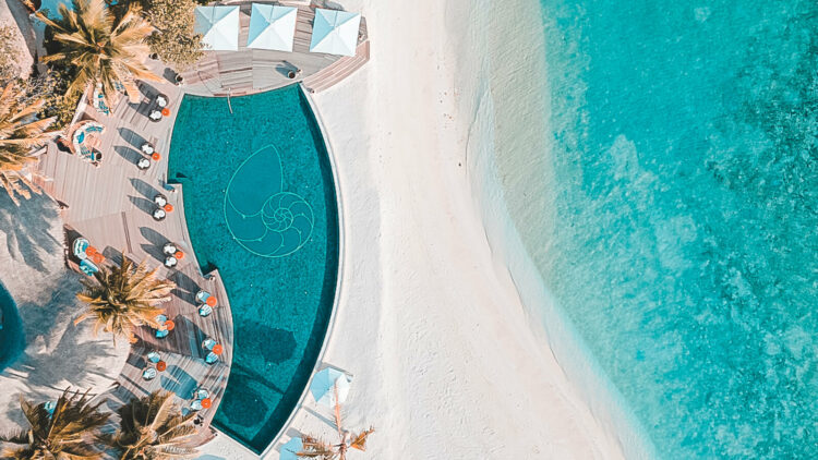 the-nautilus-maldives-infinity pool