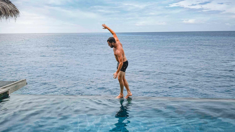 Vakkaru Maldives Infinity Pool Review