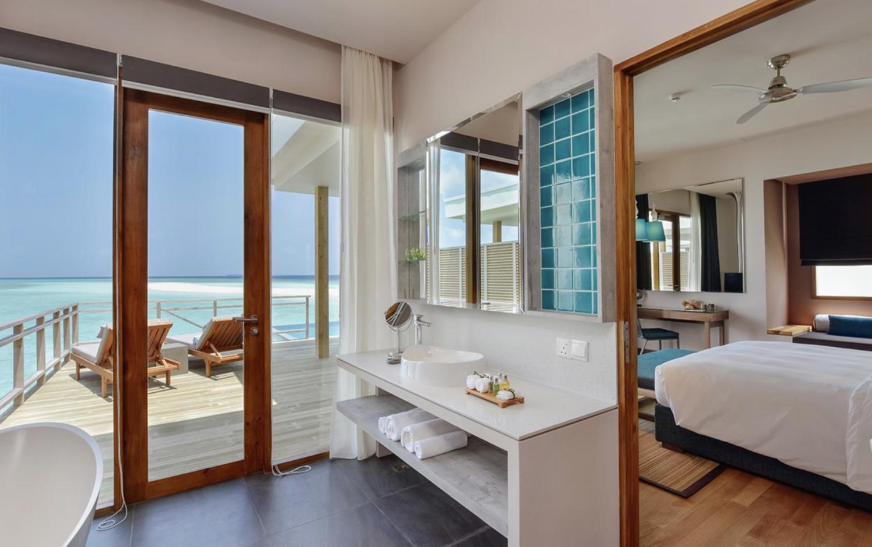 bathroom view-dhigali maldives
