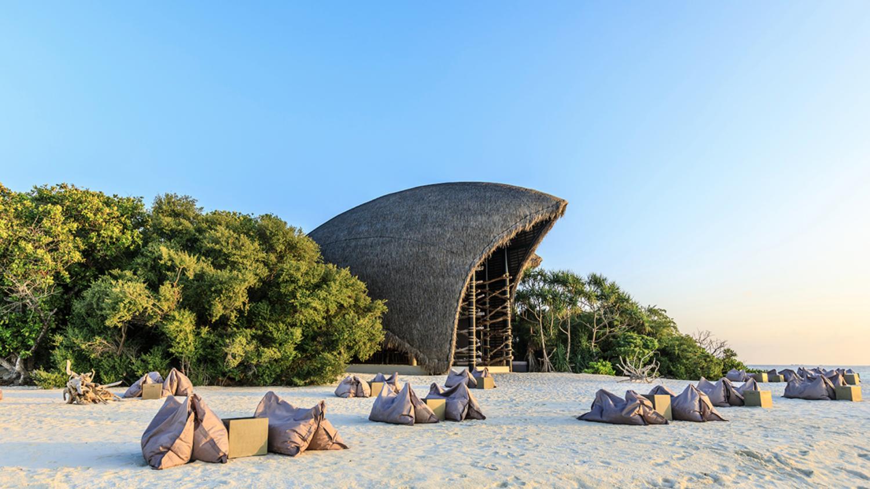 beach bar-dhigali maldives