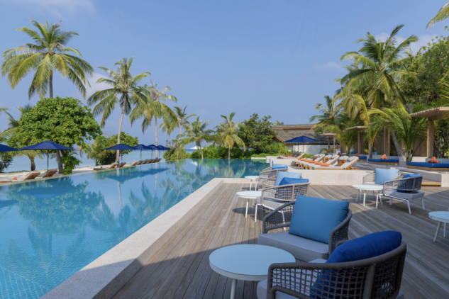 faarufushi-maldives-main-pool