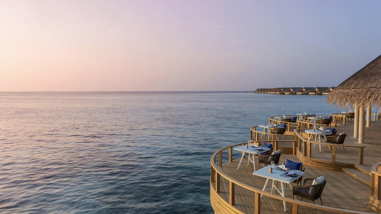 romantic restaurant-faarufushi maldives