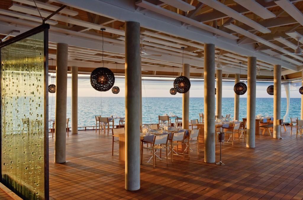 kuramathi-maldives-dining-room