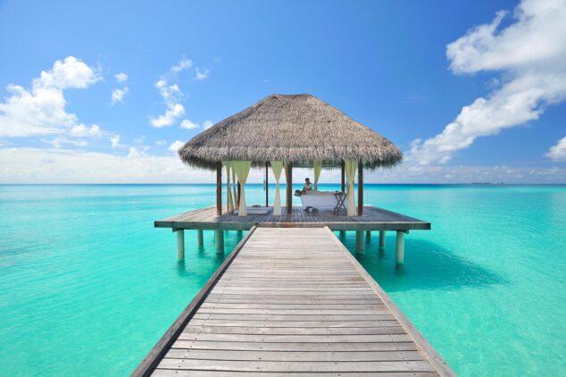 kuramathi-maldives-jetty-spa