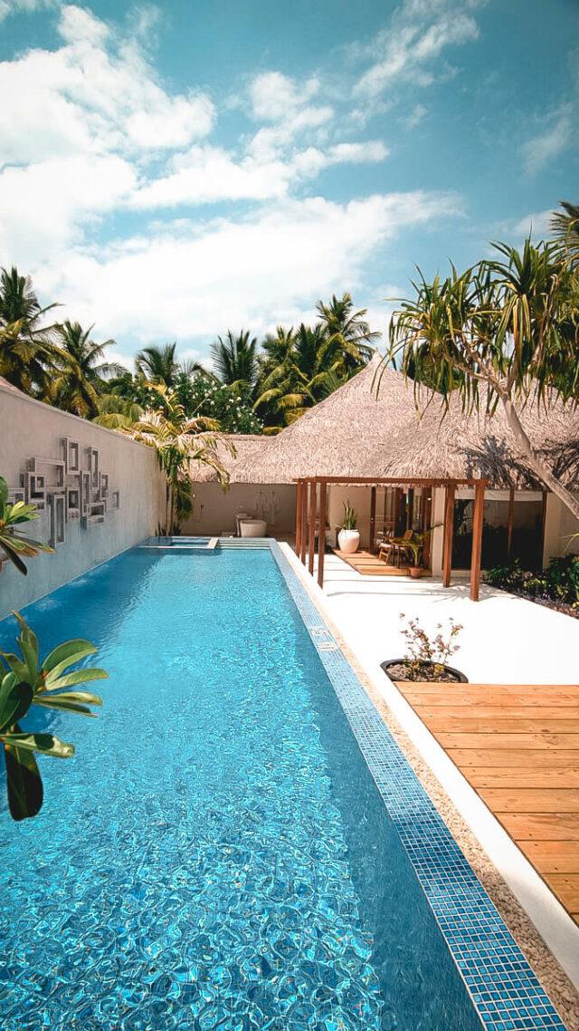 island pool-kuramathi maldives