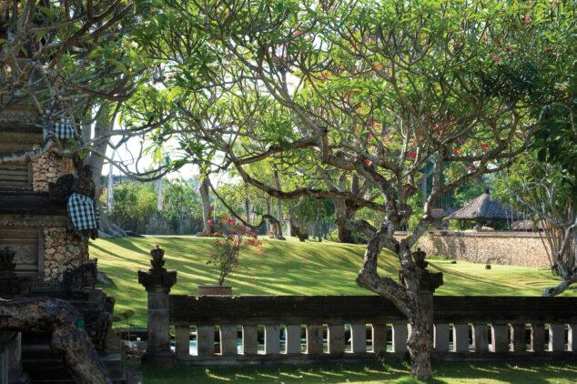 the-oberoi-beach-resort-bali-garden