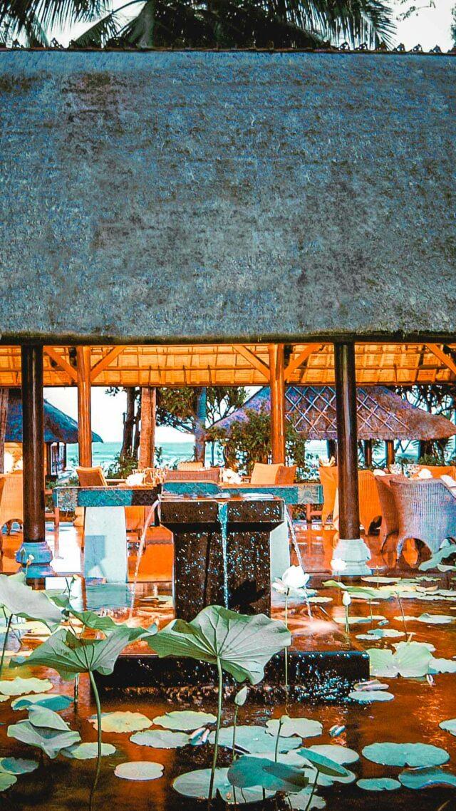 cozy luxurious restaurant seminyak-the oberoi beach resort bali
