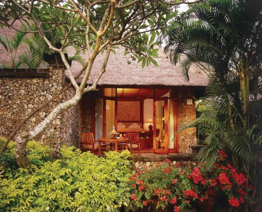 the-oberoi-beach-resort-bali-luxury-lanai-room