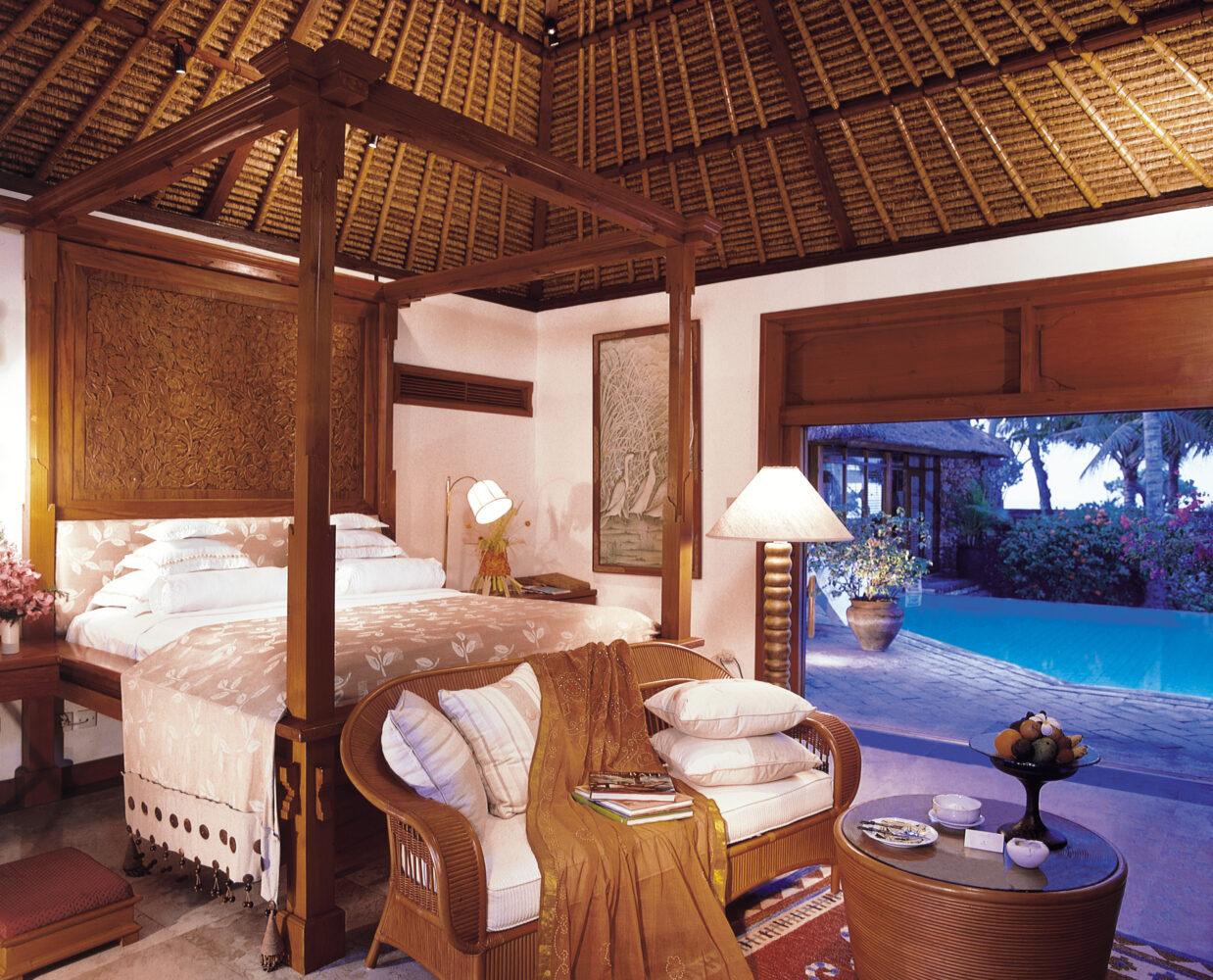 the-oberoi-beach-resort-bali-luxury-villa-interior