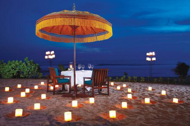 the-oberoi-beach-resort-bali-romantic-candlelight