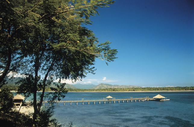 the-oberoi-beach-resort-lombok-beach