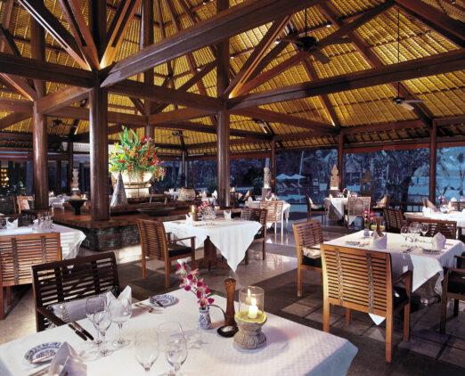 fine dining lumbung restaurant-the oberoi beach resort lombok