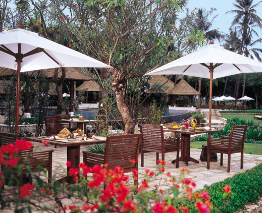 the-oberoi-beach-resort-lombok-sunbird-café